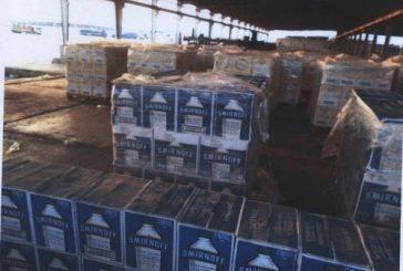 """إحباط محاولة تهريب زجاجات خمر مخبأة بإرسالية """"مياه ورد"""""""