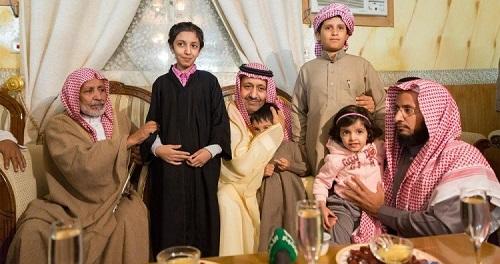 أمير الباحة ينقل تعازي القيادة لذوي شهيد الواجب الغامدي