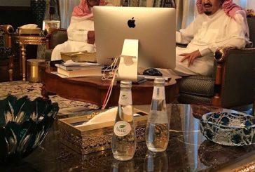 خادم الحرمين يزور الأمير مقرن بن عبد العزيز