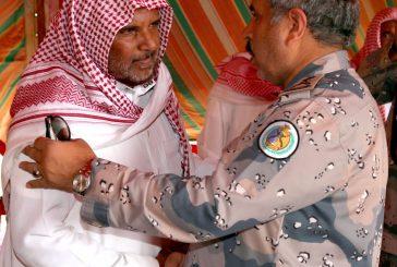 الفريق البلوي ينقل تعازي سمو وزير الداخلية لذوي الشهدين العسيري والهلالي