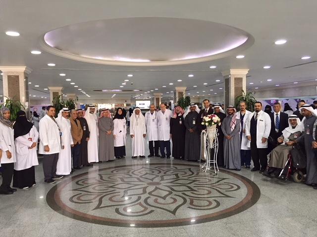 200 طالب وطالبة طب يشاركون في التوعية في الحملة الثانية بأمراض المسنين في جامعي الخبر