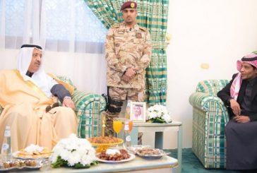 أمير الباحة يقدم واجب العزاء والمواساه لأسرة الشيخ علي حسن الغامدي رحمه الله