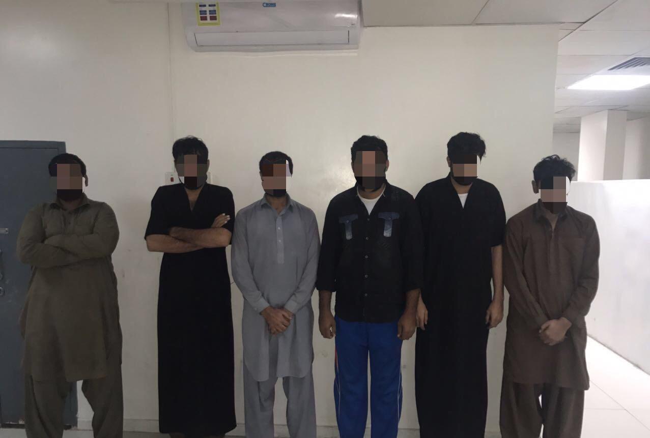 شرطة الرياض تطيح بعصابة من (٦) باكستانيين سرقوا نصف مليون