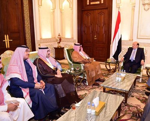 """""""هادي"""" يبحث مع نائب رئيس الاستخبارات إعادة إعمار اليمن"""
