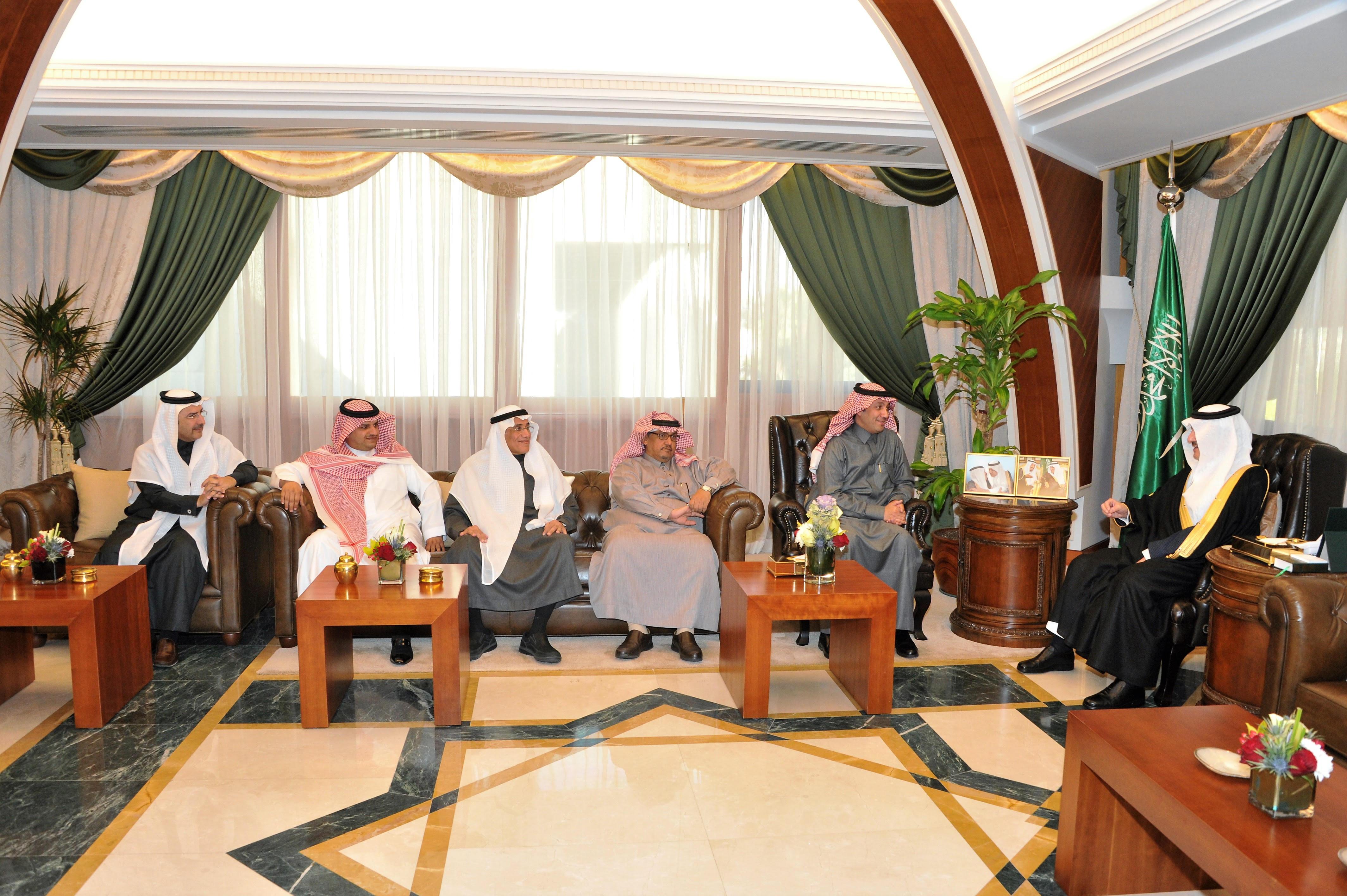 أمير الشرقية يستقبل أمين عام الجمعية السعودية للذوق العام