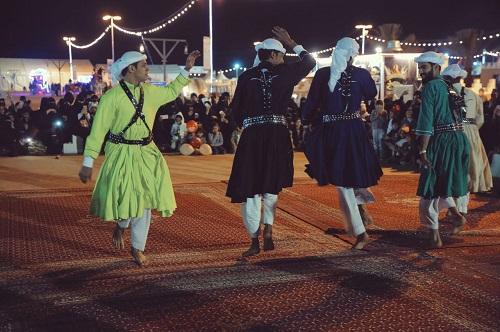 الفنون الشعبية الحجازية تصدح بين كثبان عسيلان في ربيع بريدة ٣٩