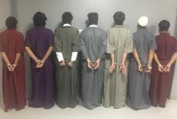 شرطة الرياض تطيح بـ٧ مواطنين تورَّطوا بـ٢٢ حادثة سلب واستيلاء على المركبات بالقوة