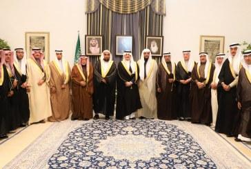 أمير الشرقية يعقد اجتماعاً مع المجلس البلدي بالأحساء