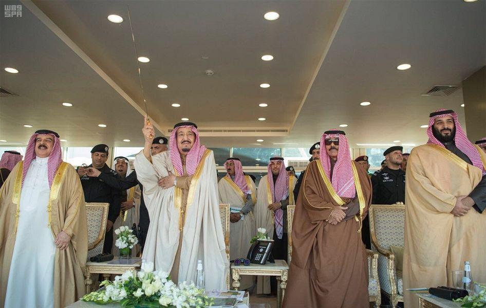 خادم الحرمين يرعى الحفل الختامي لمهرجان الملك عبد العزيز للإبل ويدشن ميدان سباق الهجن