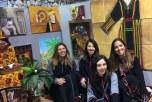 فعاليات الصالة النسائية بقرية الباحة في الجنادرية تلفت الزائرات الاوروبيات