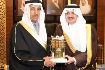 الأمير سعود بن نايف يحتفي بسمو الأمير سعود بن عبدالله بن ثنيان