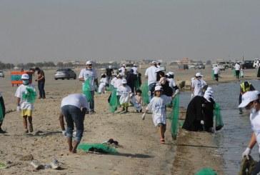 أكثر من 250 متطوع ومتطوعة من جمعية مهندسي البترول بالتعاون مع بلدية الخبر يساهمون في نظافة شاطئ العزيزية