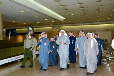 وزير النقل يتابع سير العمل في مطارات الدمام ويقف على قرية الشحن