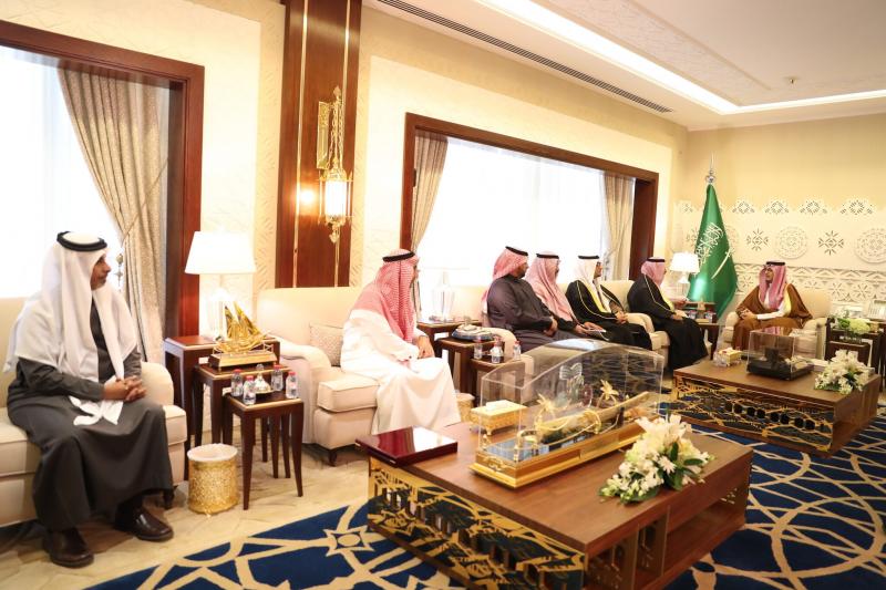 الأمير أحمد بن فهد يستقبل مدير مياه الشرقية