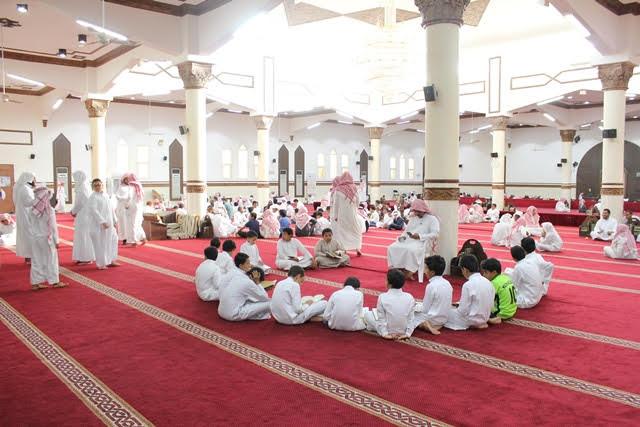 أكثر من 300 طالب متقدم للأختبار في حلقات القرآء بجامع غزوى المطيري بالرياض