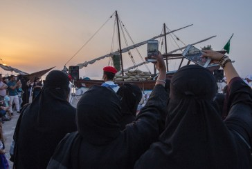 عدسات الأجهزة الذكية توثق التراث البحري لمهرجان الساحل الشرقي