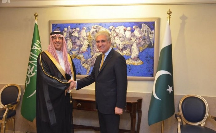 Visiting Minister of Media Meets with Top Level Pakistani Officials