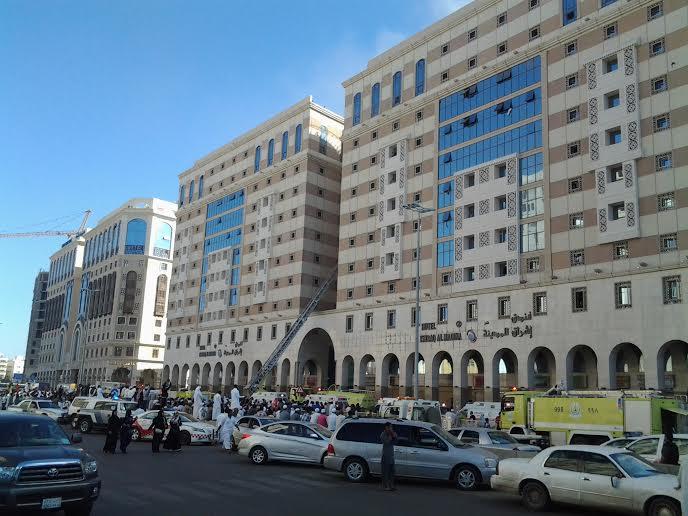 """""""مدني المدينة"""" يخمد حريق الفندق .. وينقل حالات للمستشفى"""