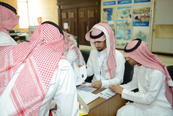 بحضور اكثر 2525 مواطنا.. أمانة الشرقية تختتم ثلاثة أيام من قرعتها على أراضي المنح الملكية
