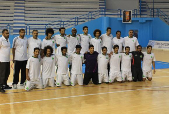 أخضر الصالات يتغلب على الاتحاد المنستيري في افتتاح بطولة الصداقة بتونس