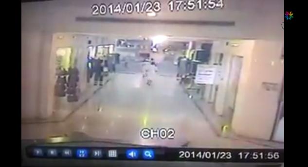 بالفيديو.. هزة جازان الأرضية ترعب المتسوقين في مول تجاري